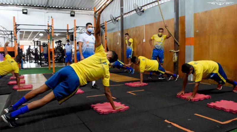 Atletas da ADJ realizam atividades na academia MoveUP